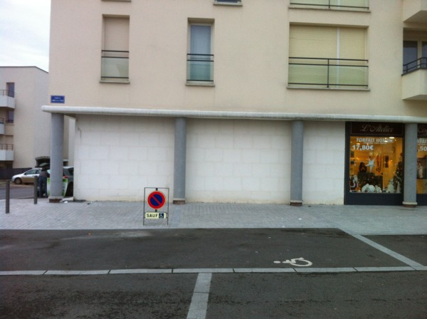 Porte de garage et d 39 entr e ch teaudun abp menuiseries for Porte de garage vendome